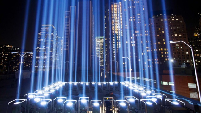 New York Commemorates In Lights Majic - Two beams light new yorks skyline beautiful tribute 911