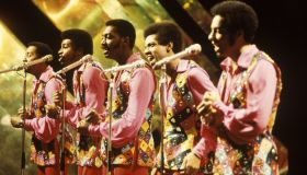 Photo of TEMPTATIONS and Damon HARRIS and Dennis EDWARDS and Melvin FRANKLIN and Otis WILLIAMS and Richard STREET