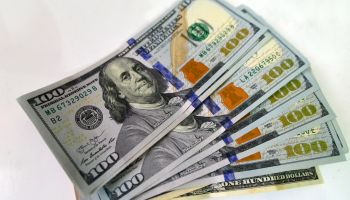 Dollar Rises And Closes At R $ 4,142, In Brazil
